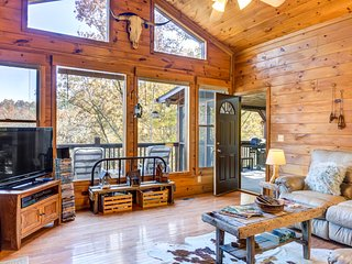 Gorgeous woodland cabin w/ indoor hot tub, large decks & firepit - dogs OK!