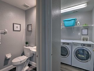 Modern, Well-Kept Davenport Home w/Pool & Hot Tub!