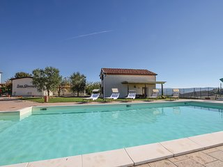 Nice home in Piancastagnaio (SI) w/ Outdoor swimming pool, Outdoor swimming pool