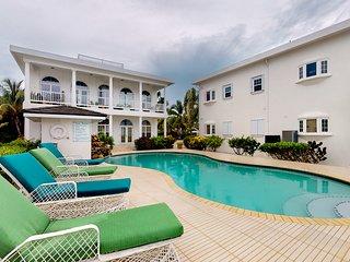 Beachfront condo, family friendly, veranda w/ ocean views, and shared pool