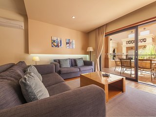 B27 - LuzBay 2 Bed Apartment