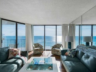 3 Bedroom Penthouse Condo with Huge Rooftop Deck Overlooking the Gulf Plus Free