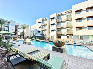 Kasa Tempe � Long Stay Discounts! Open Loft with Pool & Gym Access � Near ASU