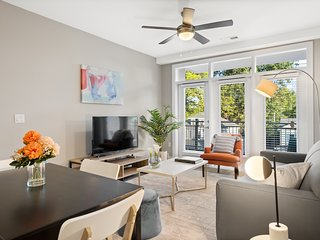 Kasa | Greenville | Sleek & Stylish 2BD/2BA Apartment