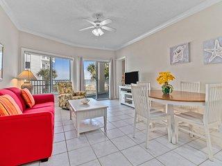 Palm Beach D-22. Beachfront Condo! Easy Access! 2 Master Suites