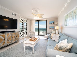 Shoalwater 404! Luxury Beachfront Condo that sleeps 8!
