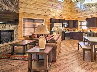 Pet-Friendly Cabin w/ Hot Tub by Pigeon Forge Fun!