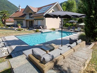 Menthon Villa with Pool