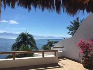 Beachfront Casa w/large Infiniti Pool,  LaCruz/Bucerias