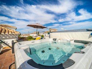 Villa with Jacuzzi - La Torre Golf Resort- MURCIA VACATIONS DN30