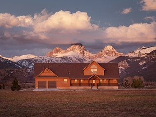 Rustic Retreat in the Heart of the Tetons