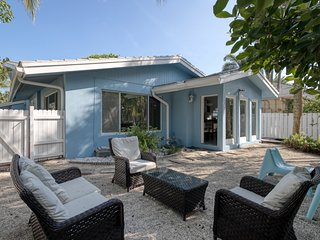 Beachside home w/ great location steps away from the sand