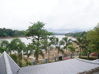 Aua Water Front Resort Periyar River View Villa