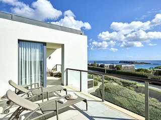 2 bedroom grand deluxe house w/ocean view in Sagres