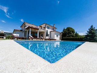 STUNNING VILLA LATICA WITH GREAT PRIVACY AND OUTDOOR POOL