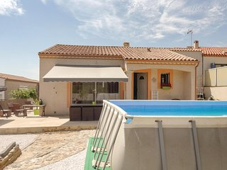Amazing home in Corneilhan w/ WiFi, Outdoor swimming pool and 3 Bedrooms