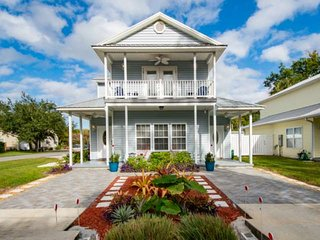 Perfect for families! 2.4 mi. to Downtown & Beach, Fenced yard, fishing gear, Ka