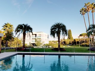 Cap d'Antibes luxury apartment with pool and sea view