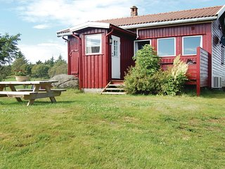 Beautiful home in Farsund w/ WiFi and 3 Bedrooms (N36766)