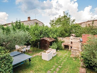 Amazing home in Colle Val d'Elsa (SI) w/ WiFi and 2 Bedrooms (ITS274)
