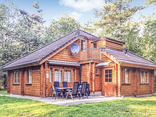 Awesome home in Neede w/ Sauna, WiFi and 5 Bedrooms (HGE061)