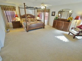 Willow View Villa 5+ Bed, 3xKing Master 2xTwin + Den