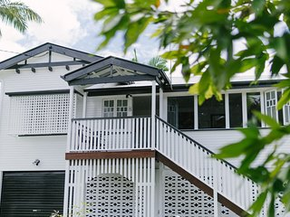 POPPY'S PLACE, YOUR BEAUTIFUL CLASSIC QUEENSLANDER