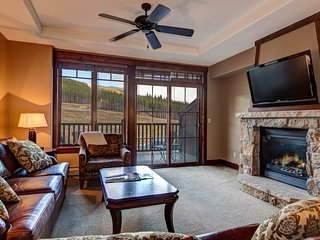 Ski-in/ski-out luxury w/ shared hot tubs, pools, & unobstructed mountain views!