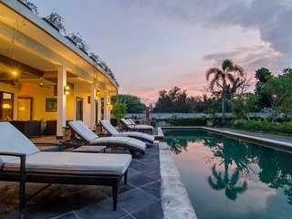4 Bedroom Beach View with Infinity Private Pool Villa