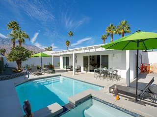 Newly Remodeled 3BR w/ Immaculate Backyard Salt Water Pool & Spa