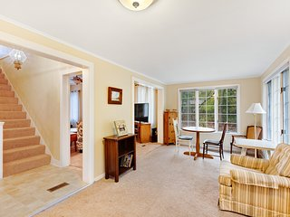 Spacious home w/ outdoor firepit & seating! Close to Lake Michigan & Oval Beach!