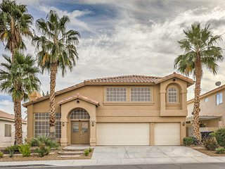 Amazing house very close to Airport, Shopping& The Strip!!!