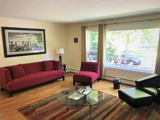Modern and Spacious 2bed/1bath apartment