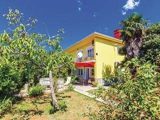 Nice home in Kostrena w/ 5 Bedrooms