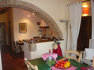 Gufo (podere Oliveta) is a holiday home with pool in the heart of Tuscany .