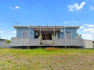 Blue Crush Villa - Mangawhai Heads Holiday Home, Abel Tasman National Park