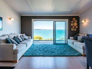 Rocky Bay Luxury Escape - Waiheke Holiday Home, Abel Tasman National Park