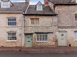 77489 Cottage situated in Minchinhampton