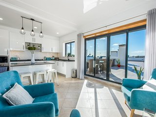 Casa Vista Mar, 3 bed apartment with huge private terrace with amazing views