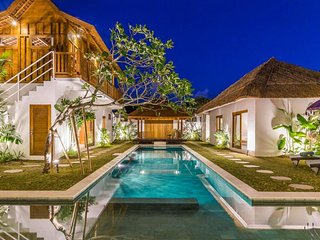 NEW☆Beautiful 5 BD Villa next to Seminyak / Oberoi