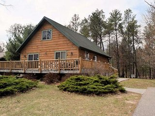 New Listing! Sleeps 16.Timber Lodge Escape.  Close to water parks/ state parks.