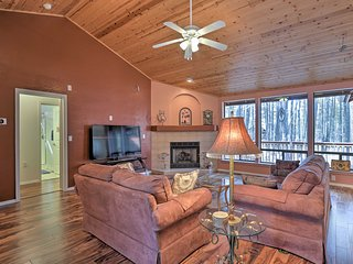 NEW! High Country Retreat, 30 Mi to Sunrise Ski!