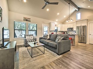 NEW! Wine Country Couples Condo - Walk to Main St!