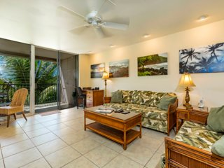 Live Island Life, Peaceful & Relaxing, Walk to Beach, Close to Restaurants