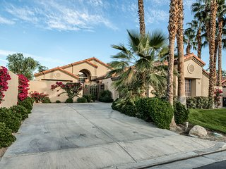 Beautiful PGA West home w/ spectacular views, a shared pool, & hot tub