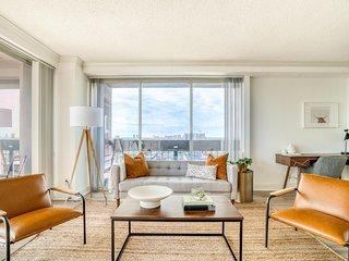 Lodgeur | Epic views 29th floor 1BR | Downtown