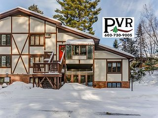 """3BR w/ Cranmore View! Game Room w/ 50"""" TV, Cable, WiFi-Discount Lift Tickets!"""