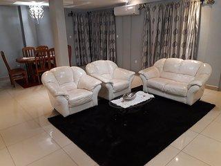 Appartement dans villa, ou residence entiere, ou chambre uniquement a Douala