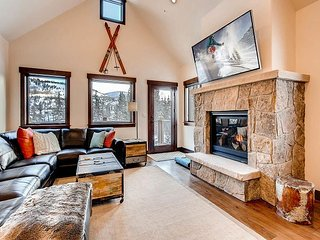 TurnKey - Silverbourne: 3BR/3BA Silverthorne Condo w/ Mountain & River Views