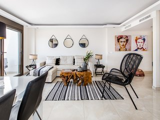 Luxurious 2 Bed Puerto Banús Apt - RDR193